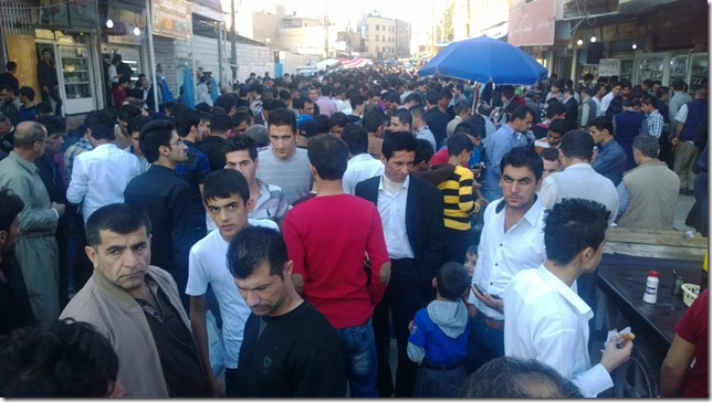 Iraq Crowd in the market