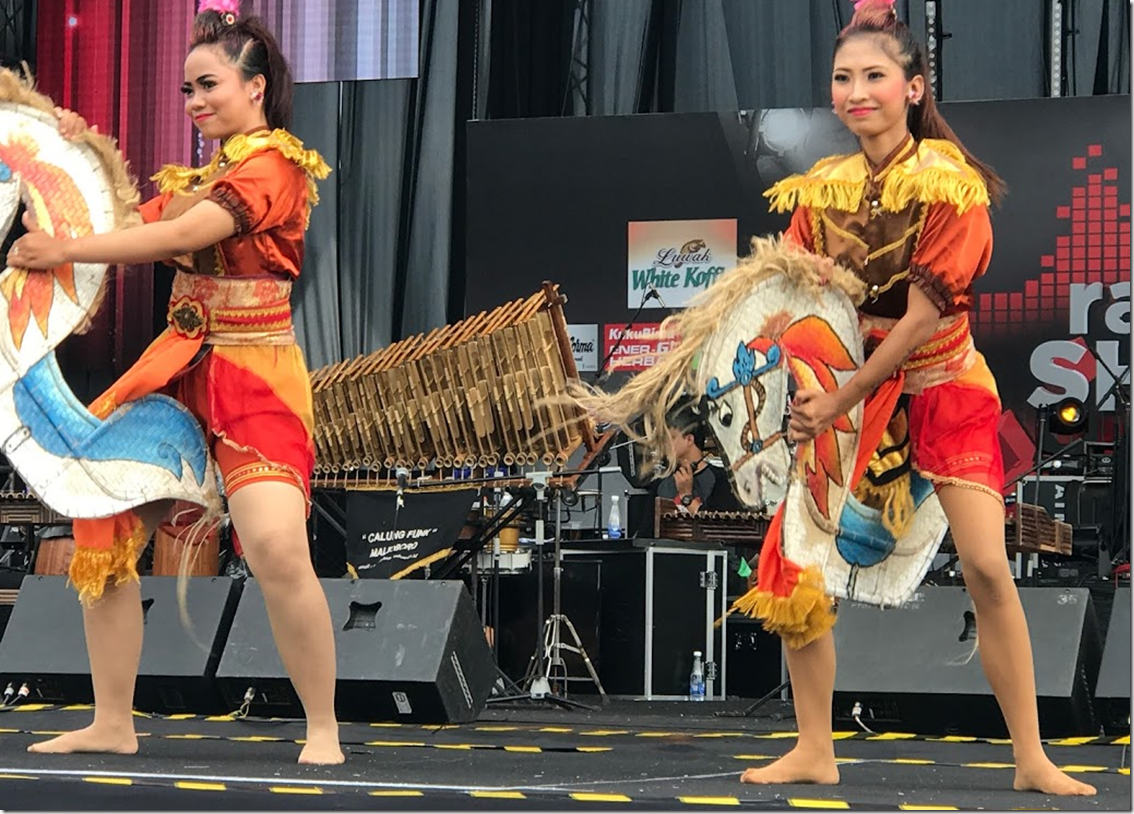 Indonesian Dancing Girls